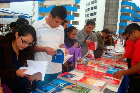 FERIA. Gran acogida de libros Lumbreras en CONAMAT.